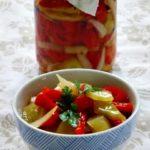 Sałatka z ogórków i papryki na zimę