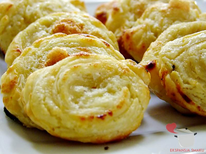 ślimaki z ciasta francuskiego jpg